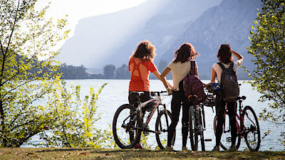 Cycle path - Toblino Lake