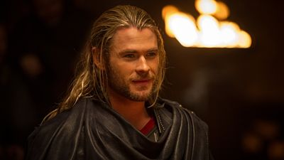 Chris Hemsworth jako Thor.