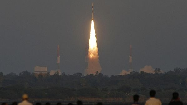 Start indické rakety Polar Satellite Launch Vehicle (PSLV)