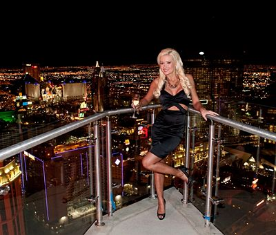 Holly Madison na slavnostním otevírání Planet Hollywood Towers v Las Vegas