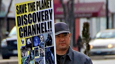James Jay Lee demonstruje před budovou Discovery Channel