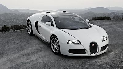The Veyron (pictured on Sportmore) is the first world road car to exceed 400 km / h. This is Kaban's best known work.