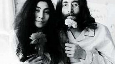 "John Lennon a Yoko Ono: ""Make Love not War"""