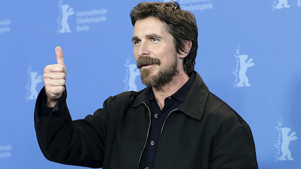 Herec Christian Bale na Berlinale.
