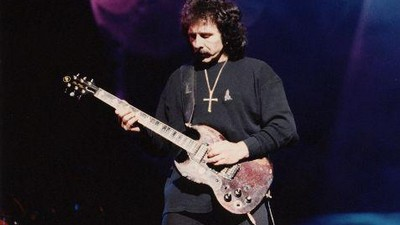 Kytarista Tony Iommi (Black Sabbath)