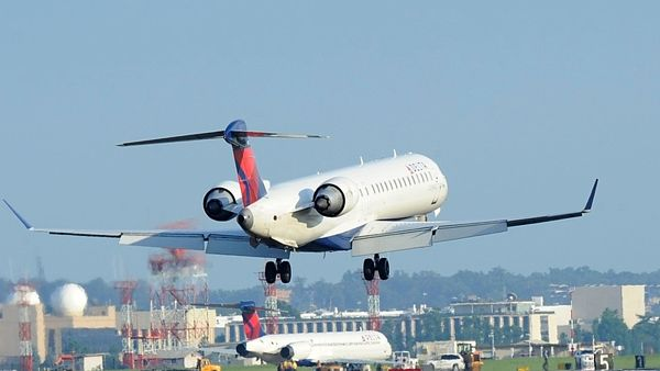 McDonnell Douglas MD-90 Delta Airlines