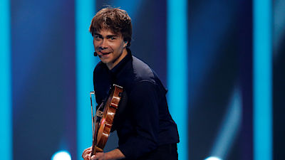 Alexander Rybak z Norska se skladbou Thats How You Write a Song