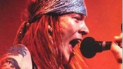 Axl Rose na obalu CD Maximum Guns´n Roses