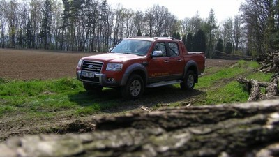 Ford Ranger Wildtrak - pracant do terénu