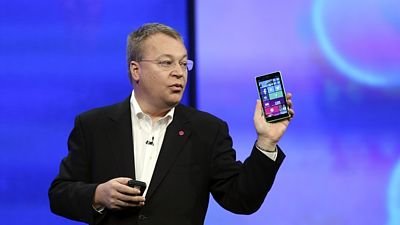 Nový top model Lumia 930 ukázal v San Francisku šéf Nokie Stephen Elop.