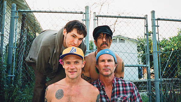 Red Hot Chili Peppers, nahoře zleva Josh Klinghoffer (kytara), Anthony Kiedis (zpěv), dole zleva Flea (baskytara) a Chad Smith (bicí).