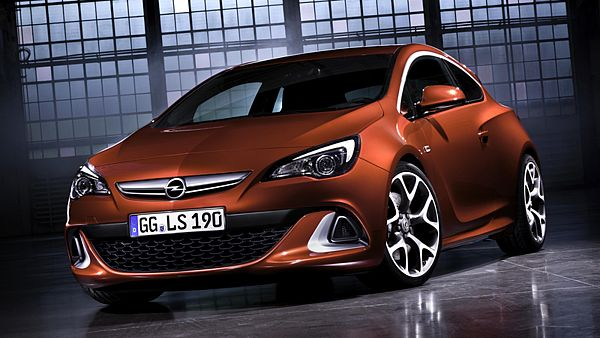 Opel Astra OPC (2011)