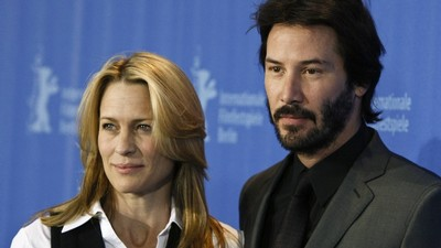 Wright Pennová se setkala s Keanu Reevesem ve filmu The Private Lives of Pippa Lee.