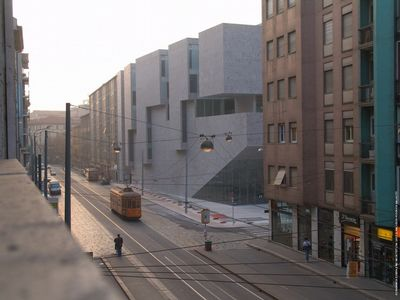 Universita Luigi Bocconiho, Milán, Itálie (autoři: Grafton Architects)