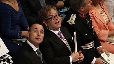 Zpěvák Sir Elton John a jeho partner David Furnish
