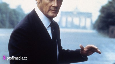 Bývalý James Bond Roger Moore