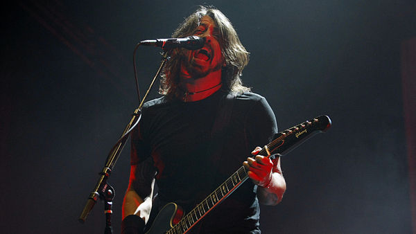 Dave Grohl stojí v čele Foo Fighters.
