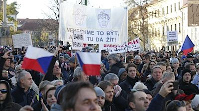 In Hradkany Square, supporters of Prime Minister Babiš met for a march ending at Old Town Square.