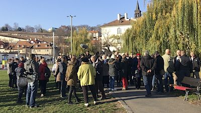 About 40 people gathered in Klára, Prague, in the assembly, to support the policy of the OL movement and its president and prime minister, Andrej Babiš.