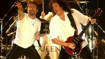 Paul Rodgers a Bryan May na koncertě