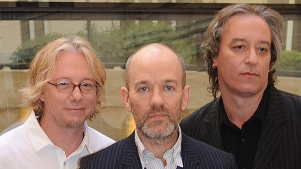 Skupina R.E.M.: zleva Mike Mills, Michael Stipe a Peter Buck