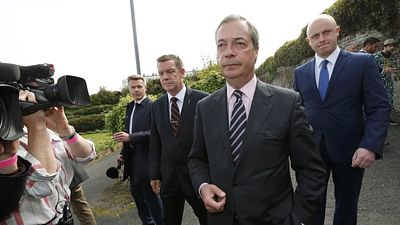 Nigel Farage rezignoval na post šéfa UKIP