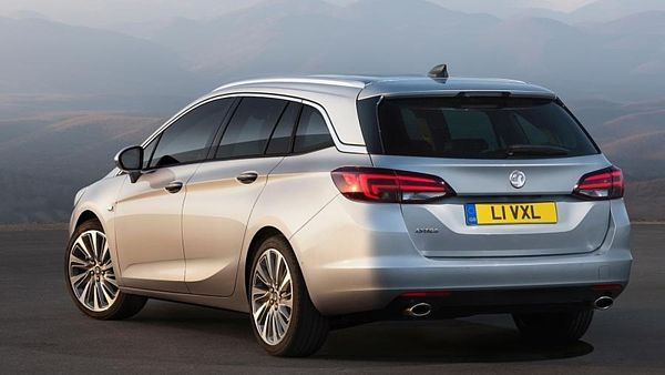 Opel Astra Sports Tourer (2015)