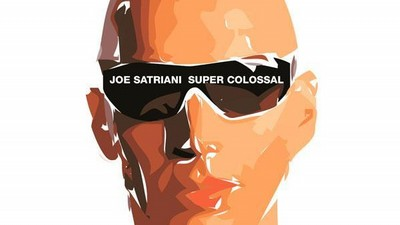 CD Super Colossal od Joea Satrianiho