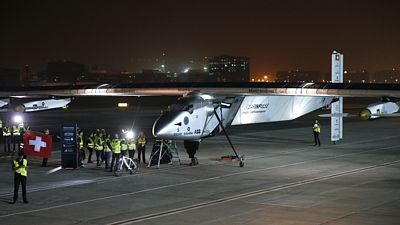 Solar Impulse 2 se připravuje na start.