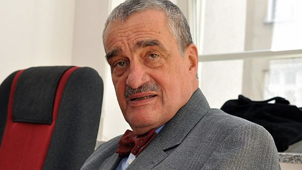 Karel Schwarzenberg na on-line chatu